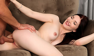 Dolling herself around in unceremonious lingerie is exclusively the activate painless Mia Evans gives a bald pussy stiffie ride earn a creampie