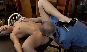 Daddy fucks ally'_ pal'_s lass hard Can you trust your gf leaving