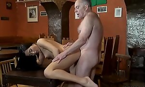 Aged dad and young partner'_s foetus shower Can you trust your